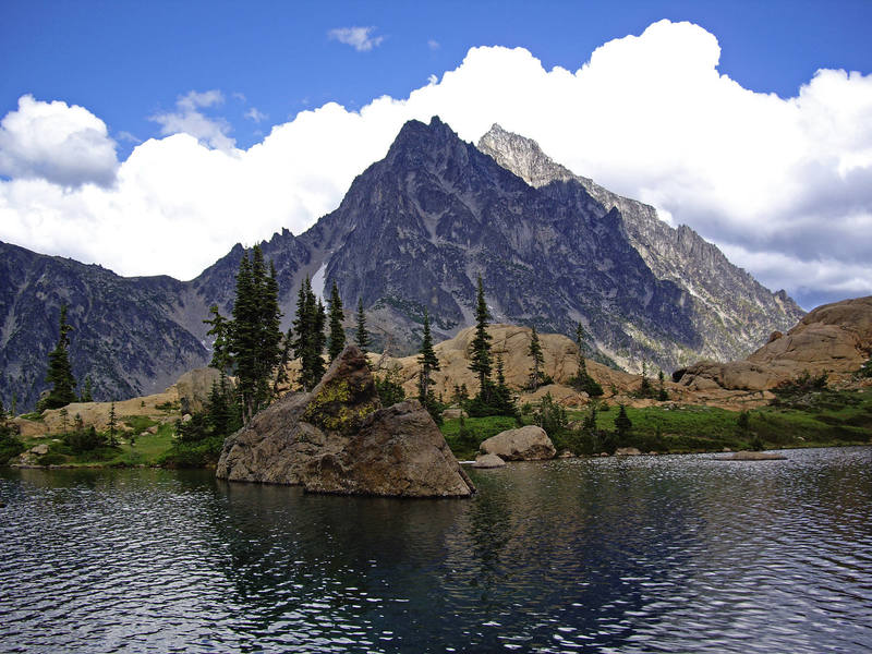 Western slopes of Mount Stuart from Ingalls lake. Goats Pass to the left.