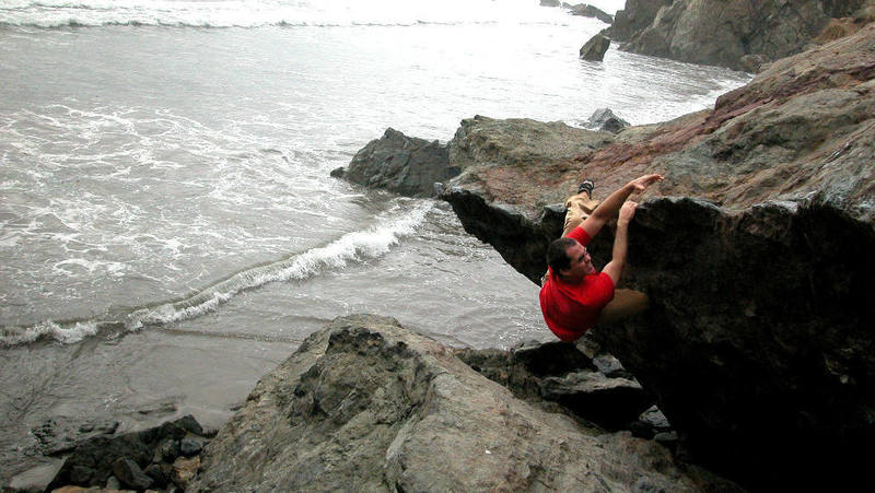 Sulli on a fun Mickey's Beach traverse<br> photo: Telly Fry