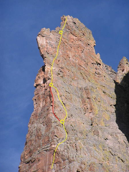 A high res picture of the upper pitches of the Petit Grepon.  The yellow route is the  std. route, while the red is an exposed 5.9 variation to the pizza pan belay.