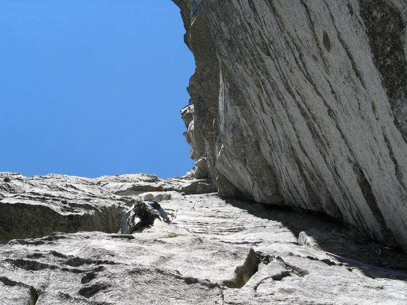 Brett negotiating the second pitch of corrugation corner.  5.7 doesn't get much  more fun than this!