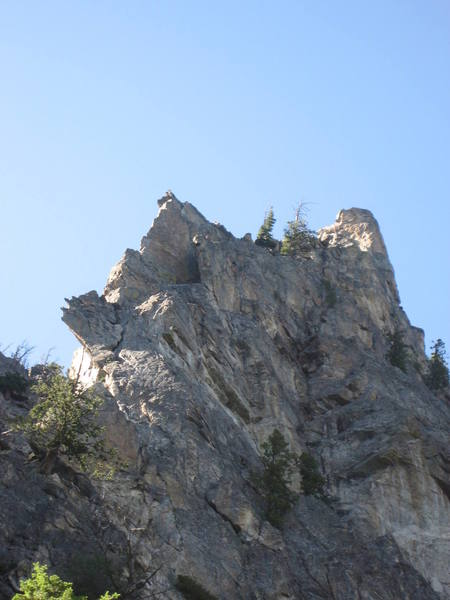 The entire climb is visible but only the 2nd and 5th pitches are in direct sunlight.