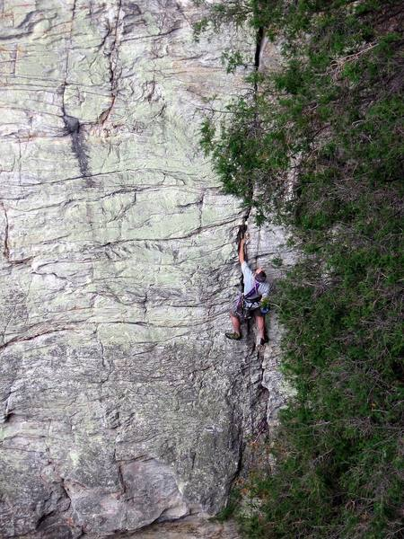 An unknown climber leads the beautiful Golden Earring crack.