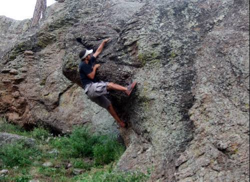 More fine moderate Clifty boulder problems.