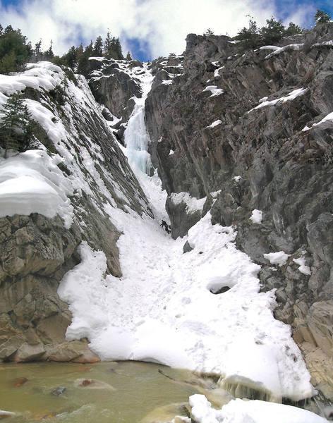 Steve Berwanger approaching Horsetail Falls.
