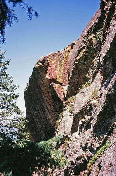 The Dreadnaught climbs junky rock for a pitch to reach this fine right-facing dihedral up top. Photo by Tony Bubb, 8/2007.