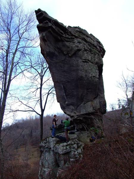 """Dave and Tyler discussing the moves on """"Cradle"""" beneath the Titanic boulder."""