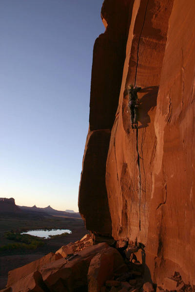 Eddie getting the last bit of light for the day. October 22, 2006.<br> Photo: Dave Fiorucci
