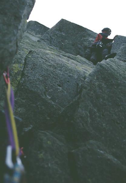P2, just before the leg-jam chimney. (c) Scott Nomi.