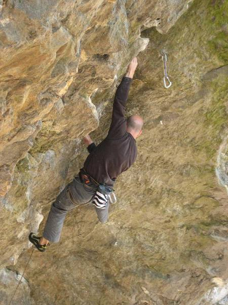 "Climbing ""Oranguhang"" @ Rumney."