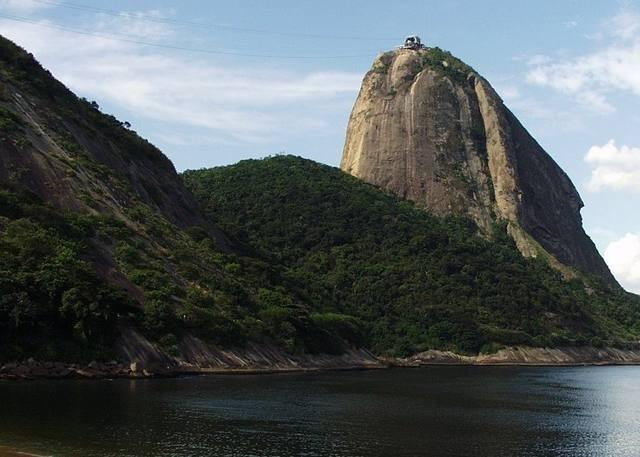 West face of the Pao de Acucar