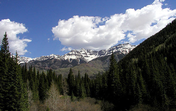 Peaks near Telluride from Bear Creek Canyon.<br> Photo by Blitzo.