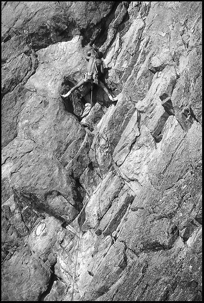Paul Van Betten on an unrecorded FA at Cave Rock, NV.<br> Photo by Blitzo.