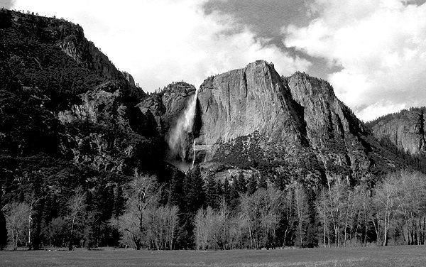 Yosemite Falls.<br> Photo by Blitzo.