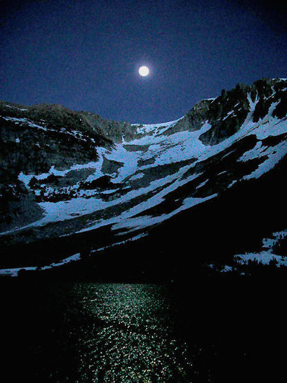 Moonlight over Ellery Lake.<br> Photo by Blitzo.