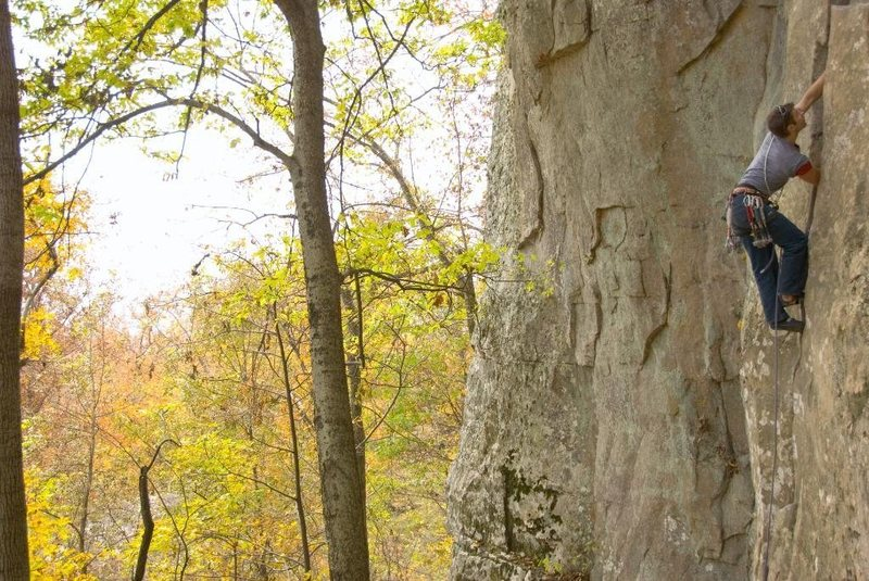 Jer Collins warming up on Hackberry Crack, Horseshoe Canyon Ranch, Ark.