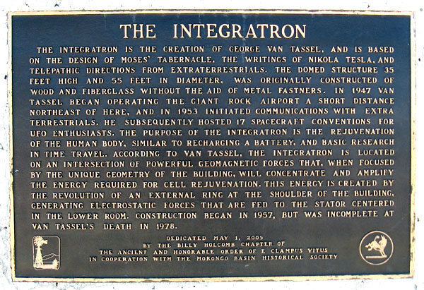 Integratron sign.<br> Photo by Blitzo.