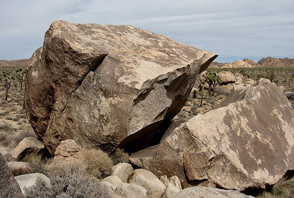 """""""Descent Route"""" follows the right-leaning crack.<br> Photo by Blitzo."""