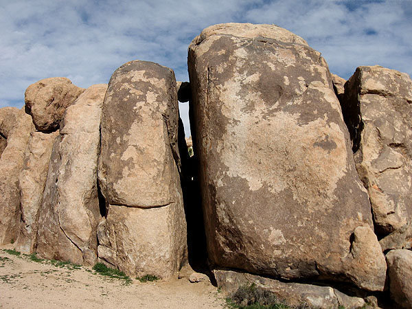 Forgotten Boulders-West Side.<br> Photo by Blitzo.