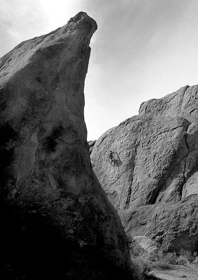 Climbing at Alabama Hills.<br> Photo by Blitzo.