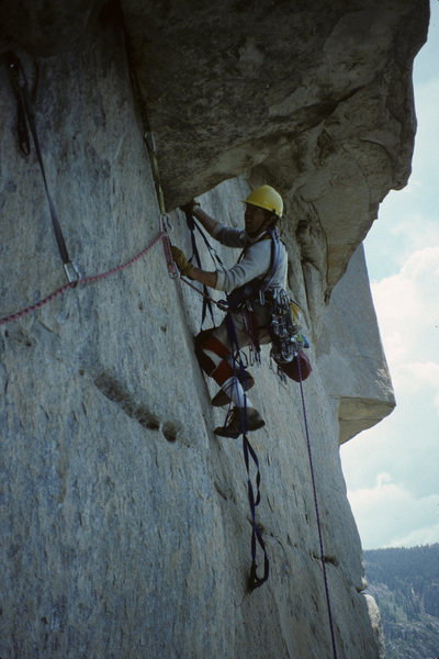 Bohanan leading out the roof pitch on the Salathe Wall