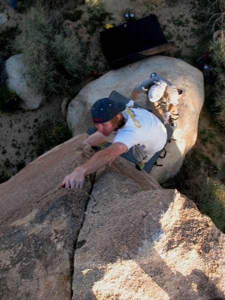 Jon getting in one more on Pacifier (V0), Joshua Tree NP