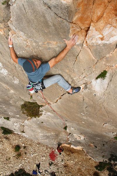 Peter Harold climbing in the Campo dei Miracoli area on the Ichnus slabs.