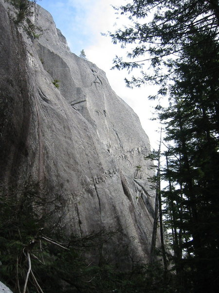 Another route overview.  The third pitch out of sight behind the buttress.