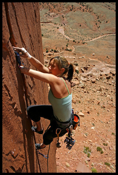 Heather warming up on Fat Cat.  Photo by Chris Fox.