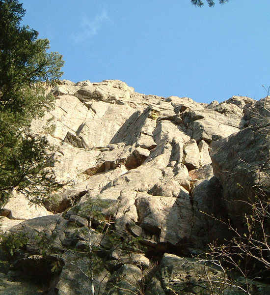 This is looking up that .10a mixed-pro protected slab line. (right where the sun/shadow line is in mid-picture) Someone must have a name for it, eh???<br> <br> Good line - 30M to belay ledge.