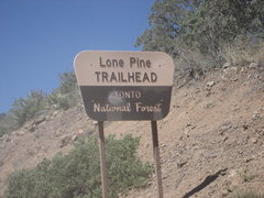 Rock Climbing Photo: Lone Pine Trail head has a parking lot but no othe...