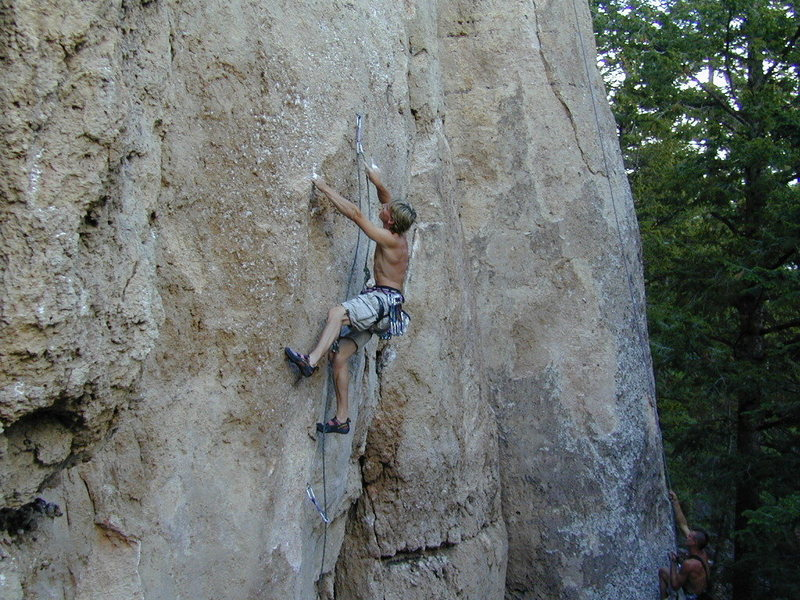 Rock Climbing Photo: Leif Gasch on Pocket Rocket 5.12b