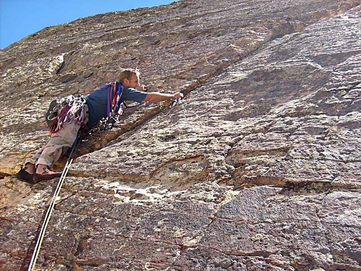 Rock Climbing Photo: Pitch 5 starts up a right-slanting crack.