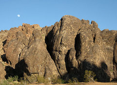 Rock Climbing Photo: Raven Rocks-North Face. Photo by Blitzo.