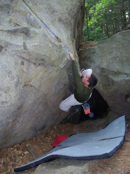 Rock Climbing Photo: Dave on hobbit hole..