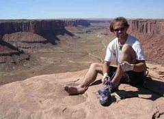 Rock Climbing Photo: Summit of Moses, Canyonlands NP.  In need of a hai...