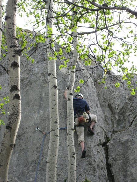 Craig Robertson trying the crux sequence on Peril.