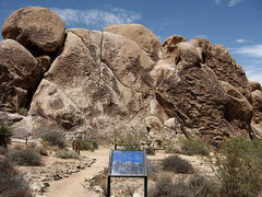 Rock Climbing Photo: A new sign has been installed at Pixie Rock. Photo...