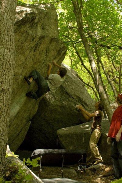 Rock Climbing Photo: Tosh Peters on E.B.P. V2