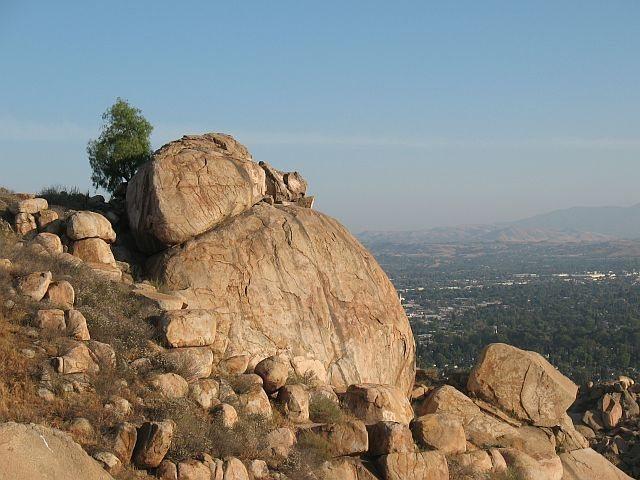 Rock Climbing Photo: Joe Brown Boulder, Mt. Rubidoux