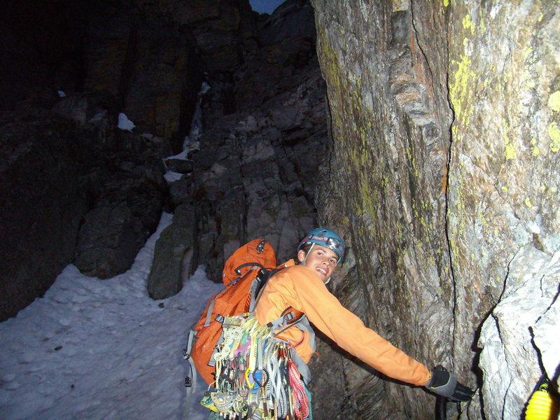 Rock Climbing Photo: Jordon Griffler starting up Hallett Chimney AI 5 /...