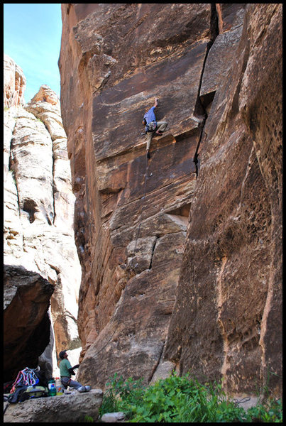 Rock Climbing Photo: Passing the first crux of The Winsloner for the on...