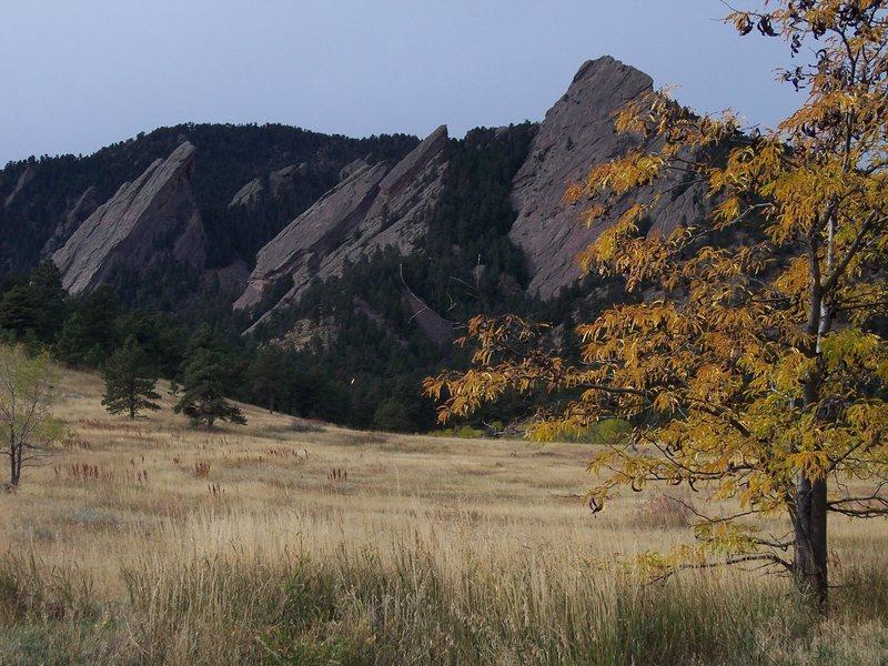 Rock Climbing Photo: The Flatirons in Fall Photo: Chris Hawkey
