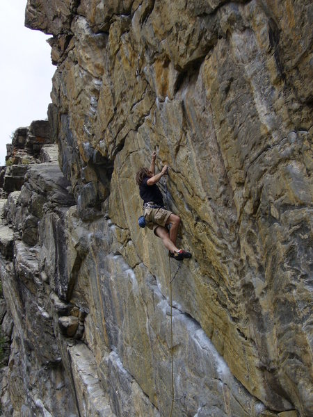 Rock Climbing Photo: Setting up for the redpoint crux toss at the 4th b...