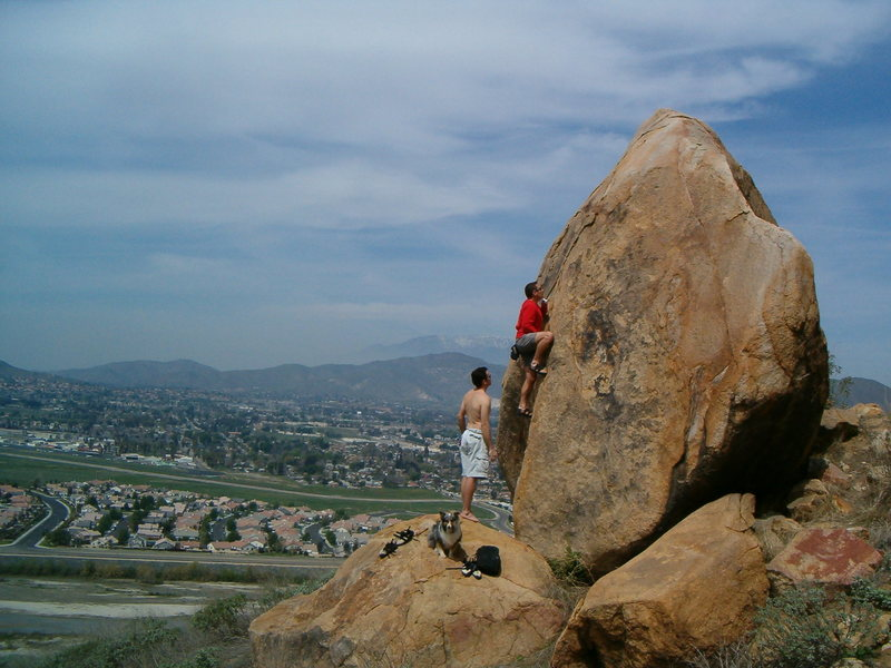 Rock Climbing Photo: Bouldering on the Harrison Boulder, Mt. Rubidoux