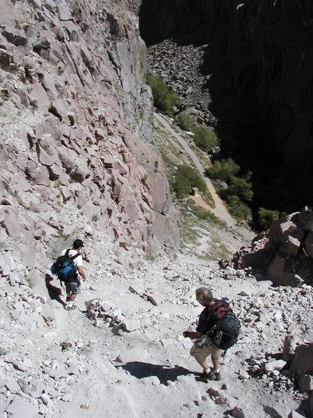 Rock Climbing Photo: Heading down the Central Gorge approach gully, Owe...
