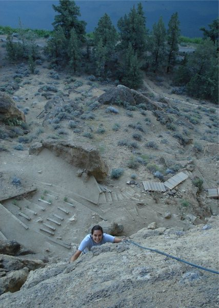 Rock Climbing Photo: Jessica approaching the Cinnamon Slab / Ginger Sna...
