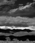Rock Climbing Photo: Shadows and light on the White Mountains