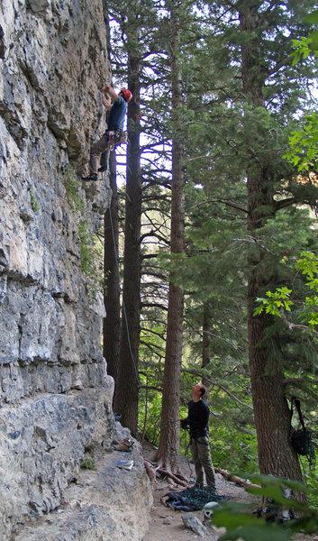 Rock Climbing Photo: Perin Blanchard on Vixen Blonde.  Photo by John ...