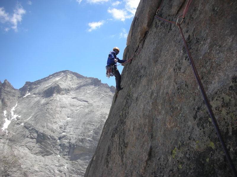 After crux move a nice traverse, climber: Peter Yakovchuk