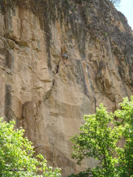 Rock Climbing Photo: Middle & upper sections of Vai.